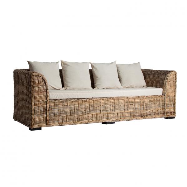 Decora tu exterior con este sofá de 4 plazas para exterior de ratán acabado natural.